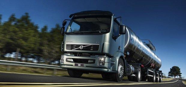 A Volvo compra seu caminhão usado